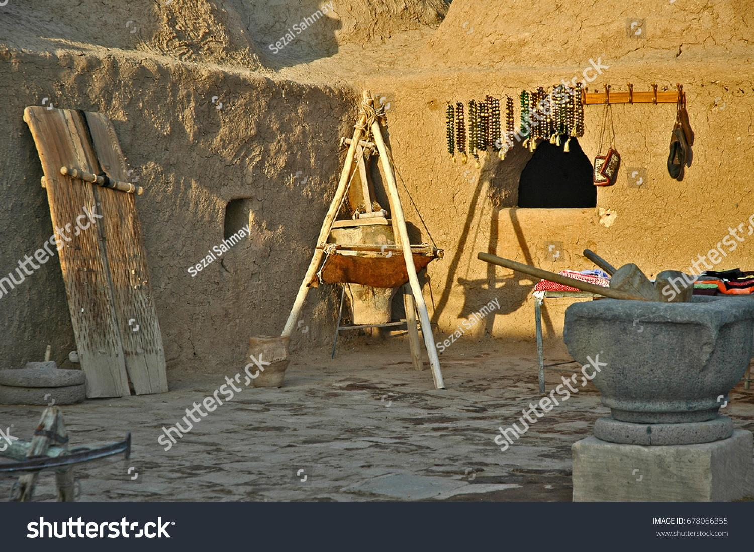 100 Adobe Homes Traditional African Mud