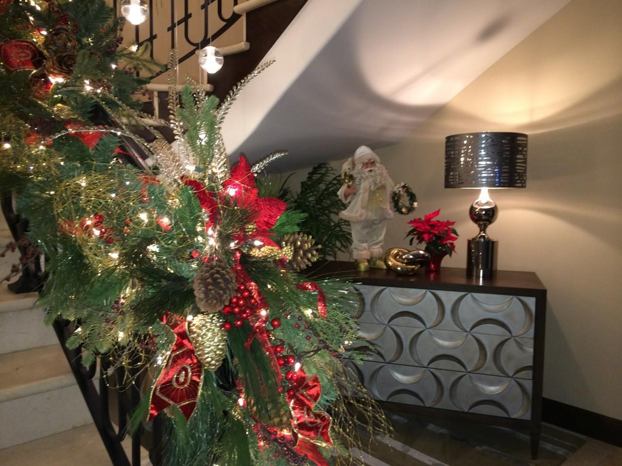 100 Christmas Decorated Staircases