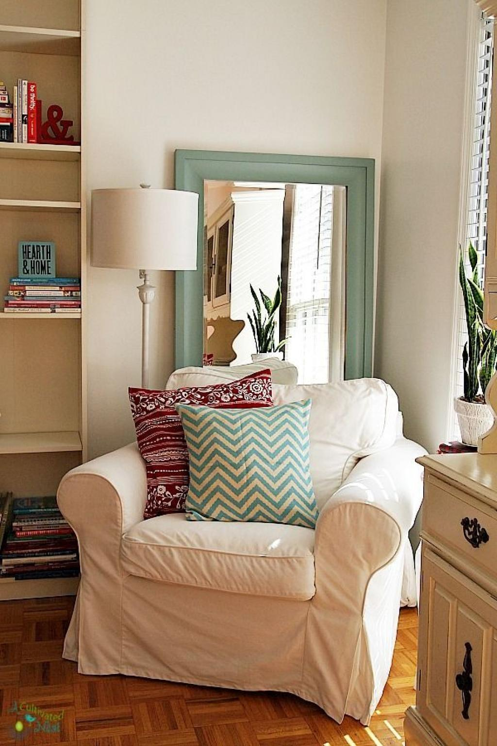 100 Classic Reading Chair Flash