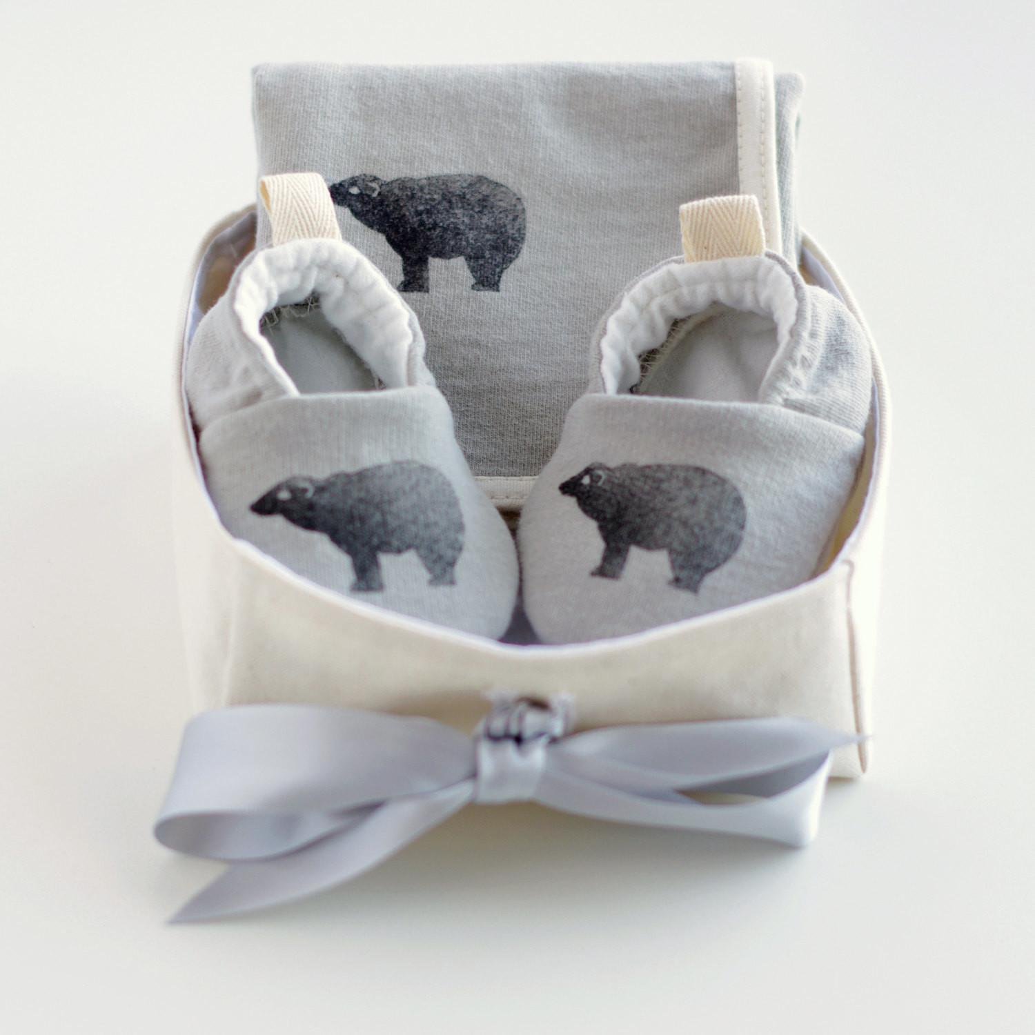 100 Gender Neutral Gifts Baby