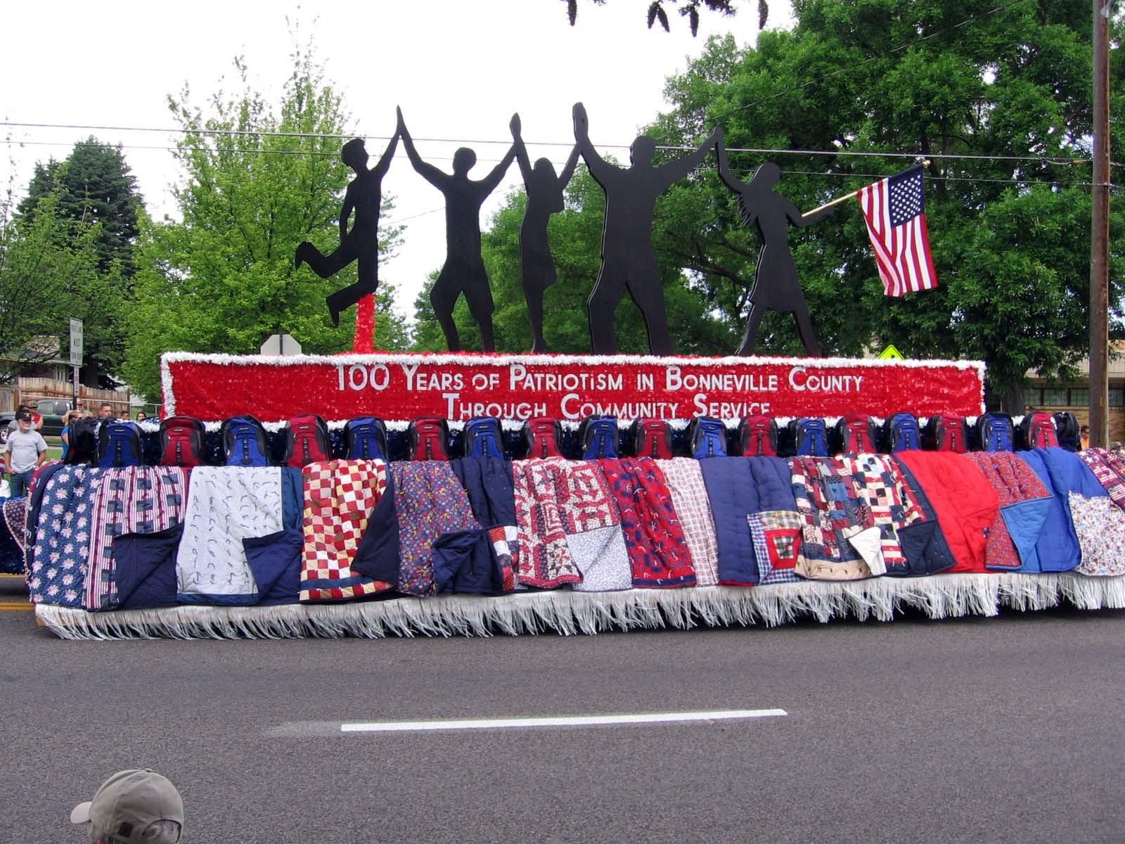 1000 Floats Parade