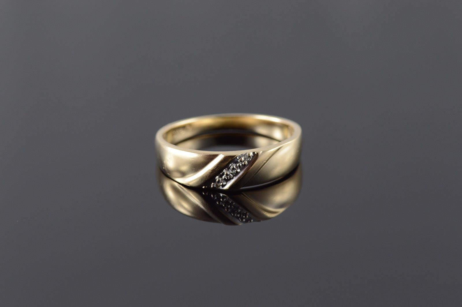 10k Genuine Diamond Stone Knot Men Wedding Band Yellow