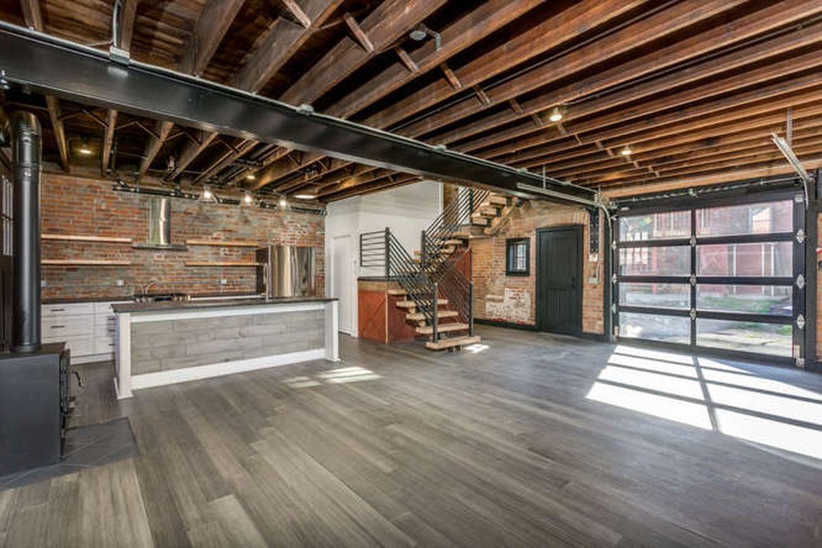 1890 Midtown Carriage House Transforms Into Chic Loft