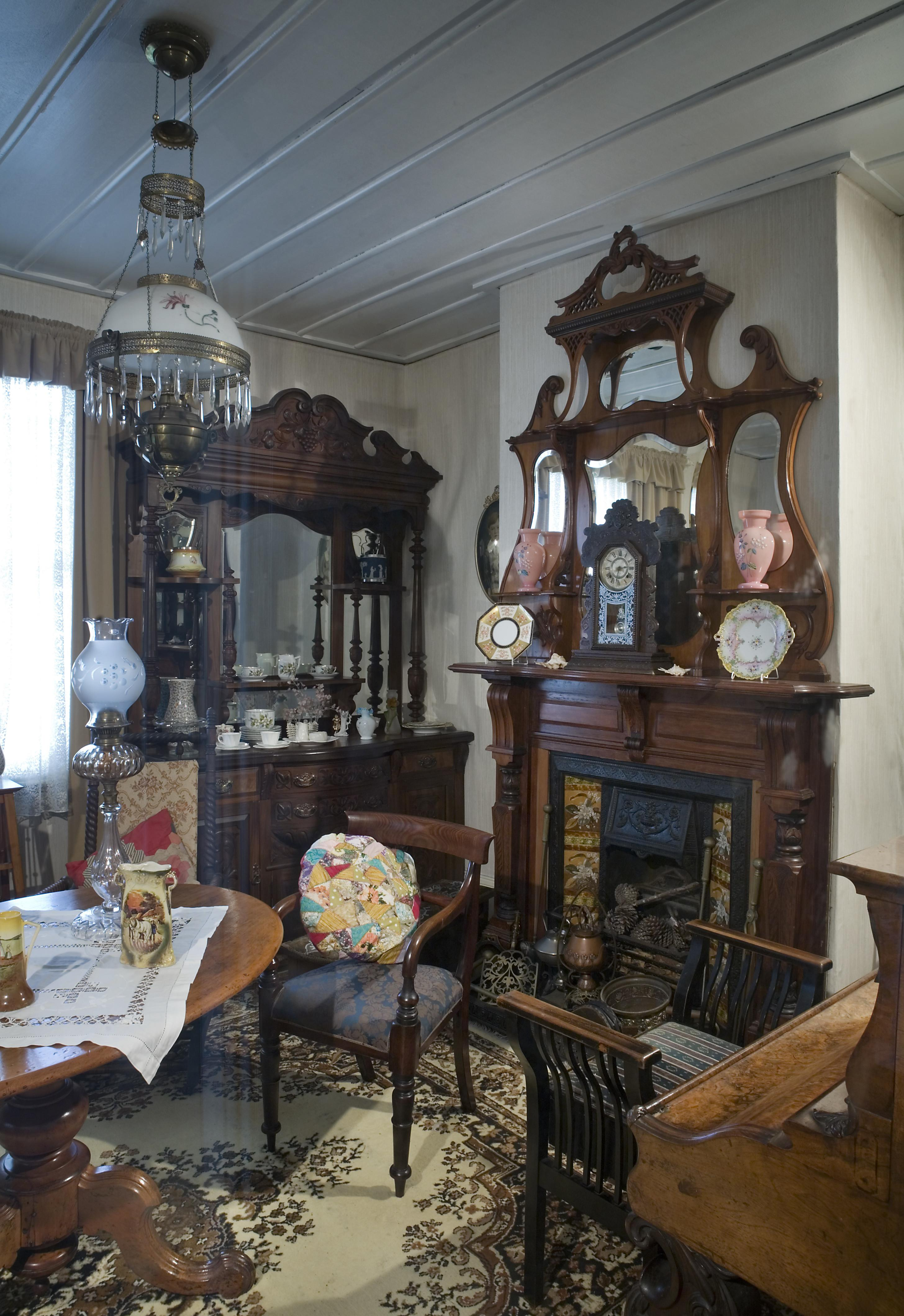 19th Century Victorian Living Room Auckland 0846