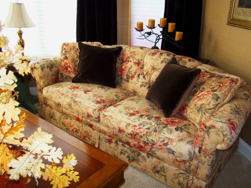 2017 Decorating Trends Floral Sofas Style