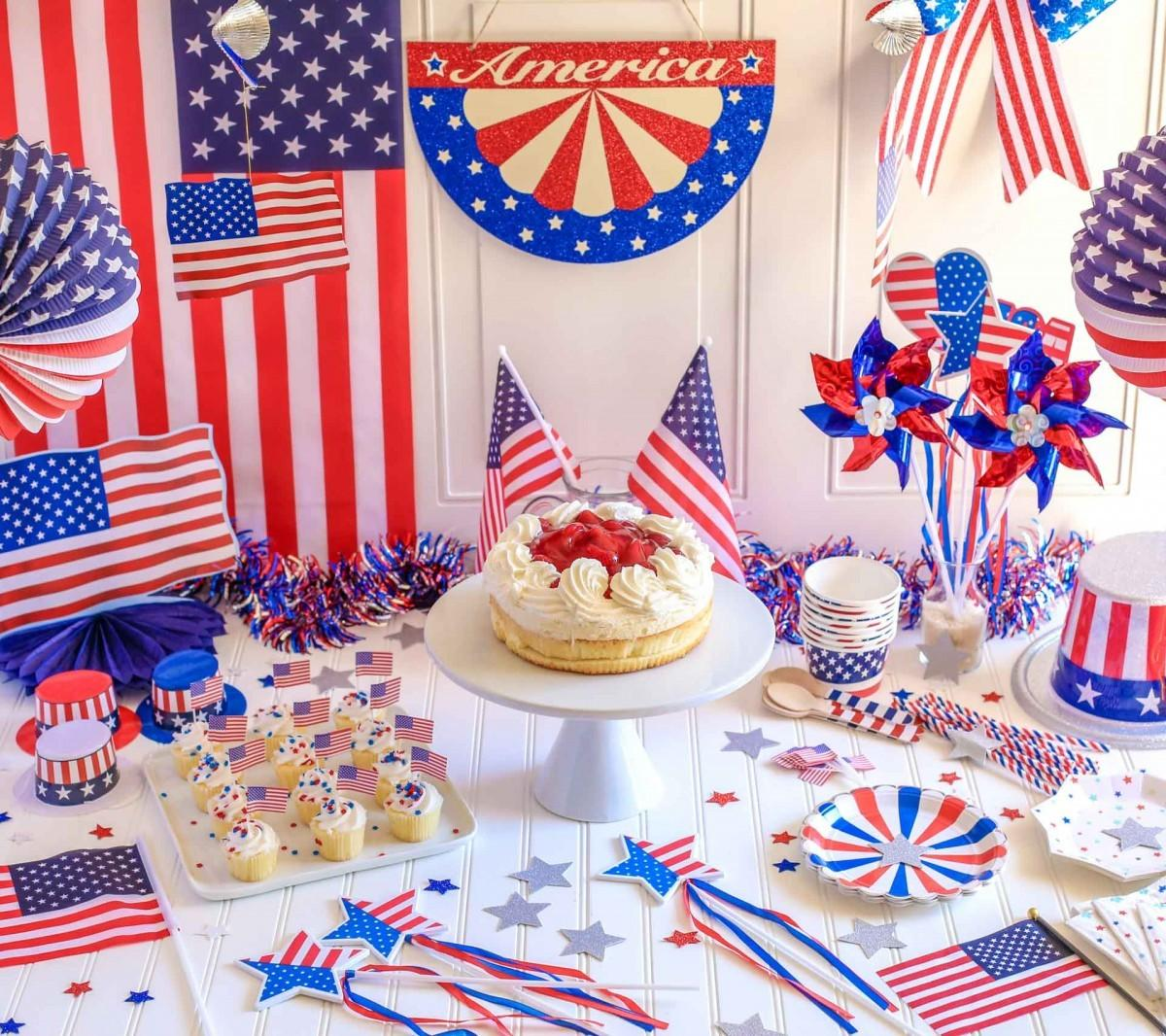 4th July Tablescape Confetti Bliss
