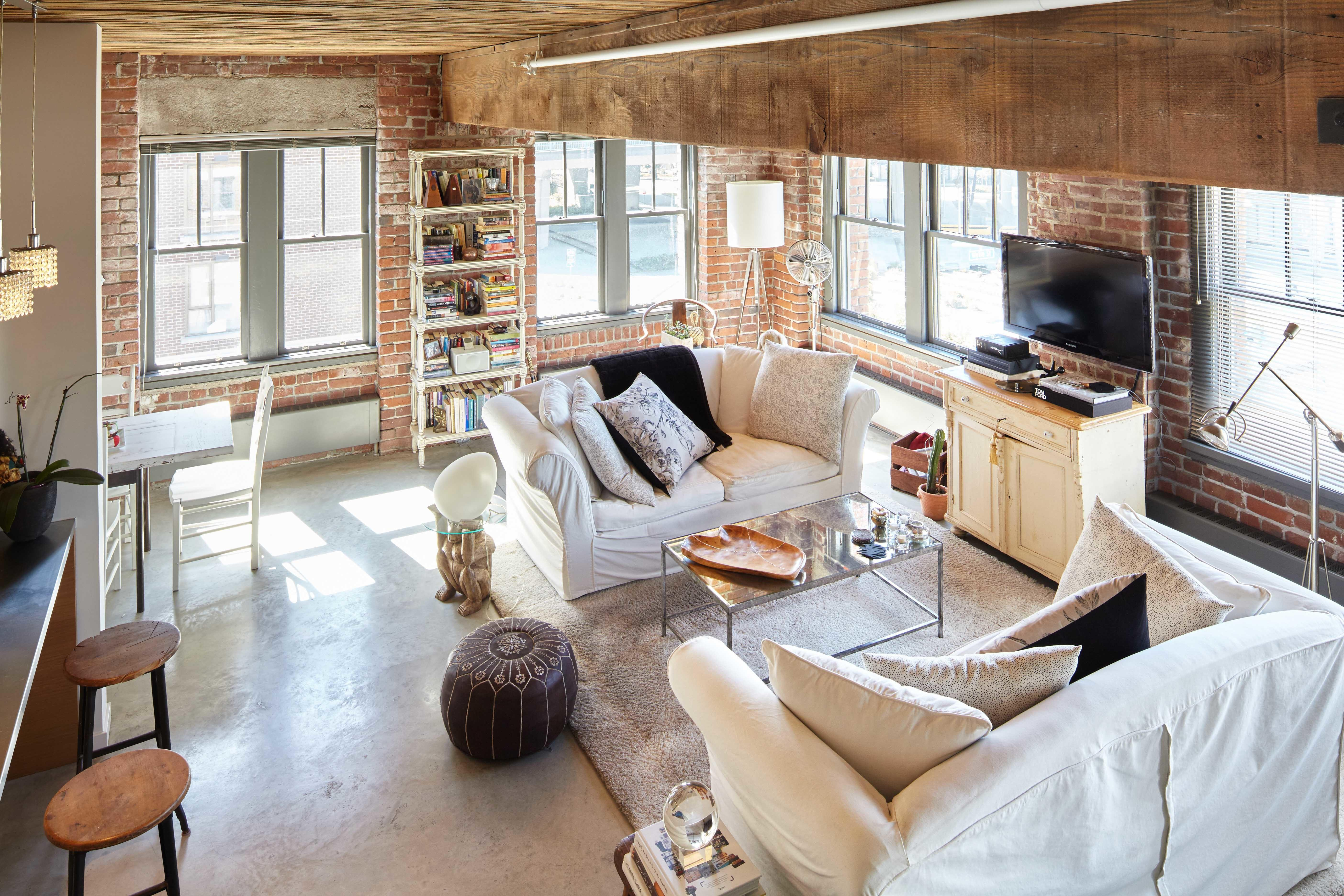 Adaptive Through Loft Style Living Spacing