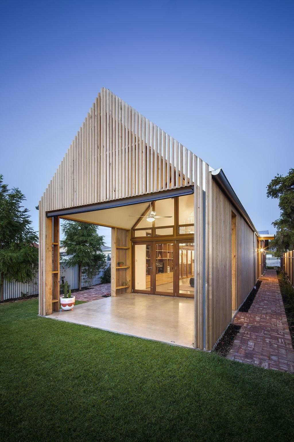 Adelaide Home Extension Explores Vernacular Modern Day