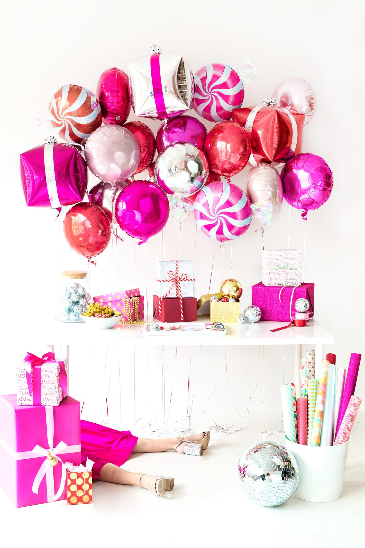 Adorable Christmas Party Centerpieces Decorating Table