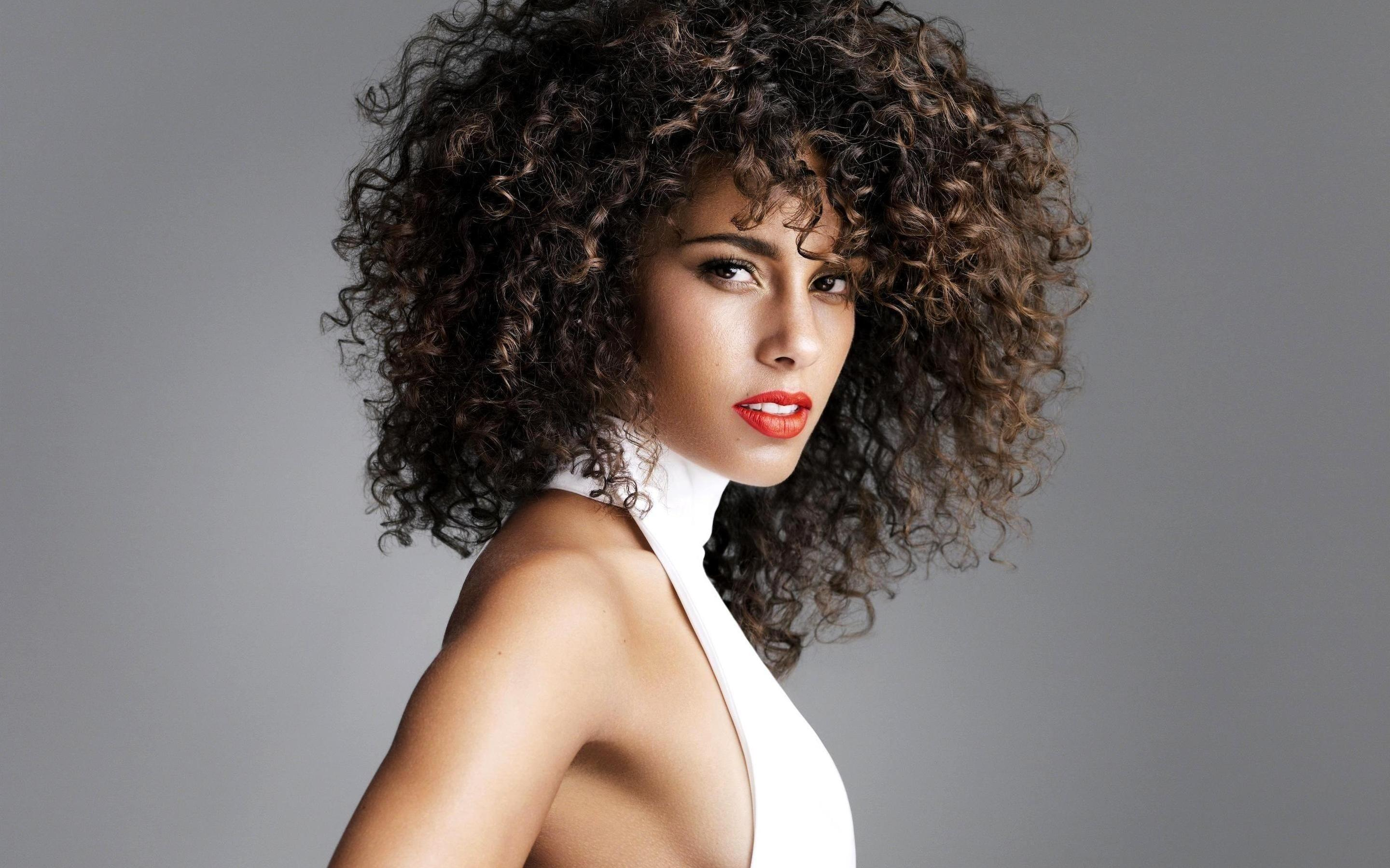 Alicia Keys Curly Hair Crown Life Magazine