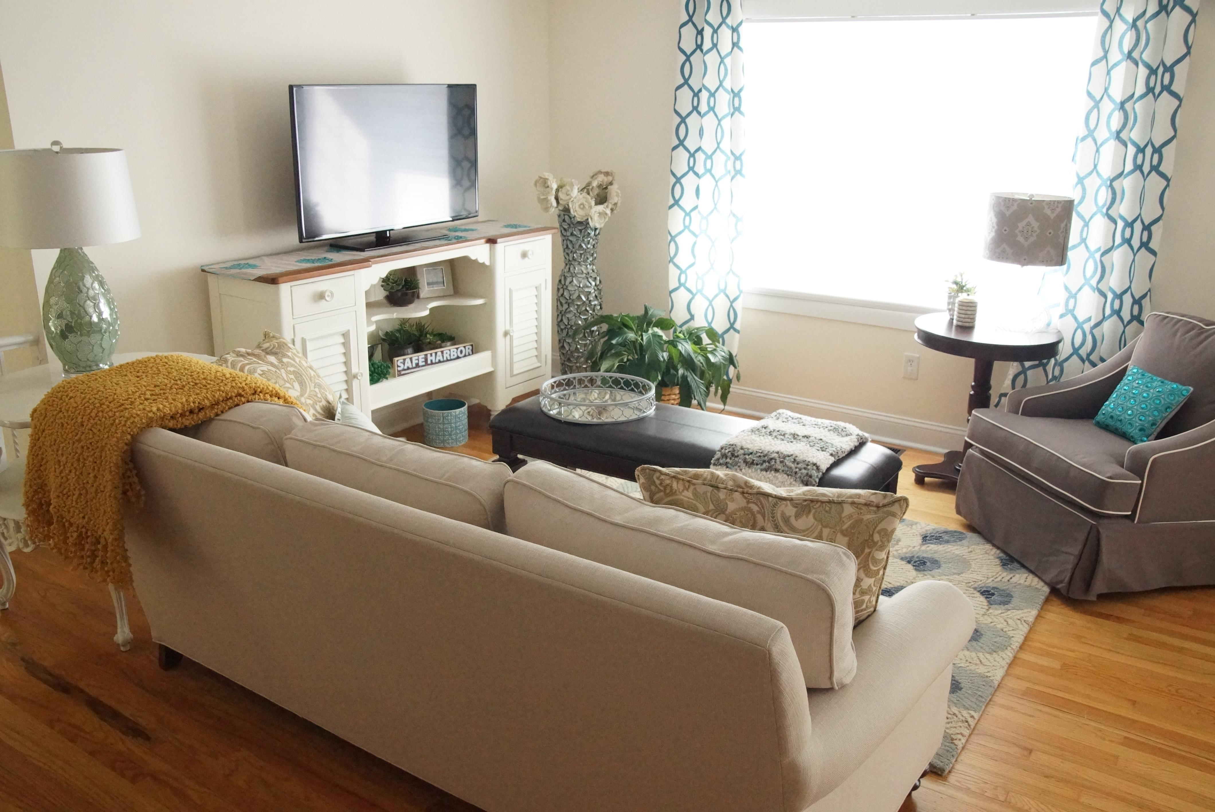 Amazing Coastal Living Rooms Ideas Also Home Decoration