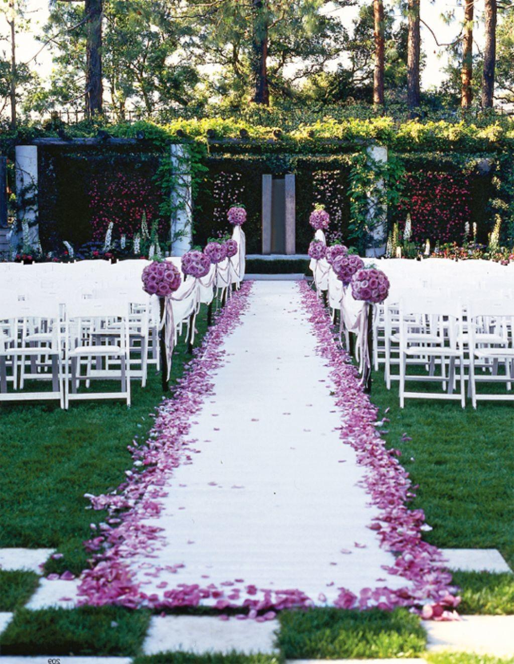 Mind Blowing Garden Wedding Decor That Will Boost Your House