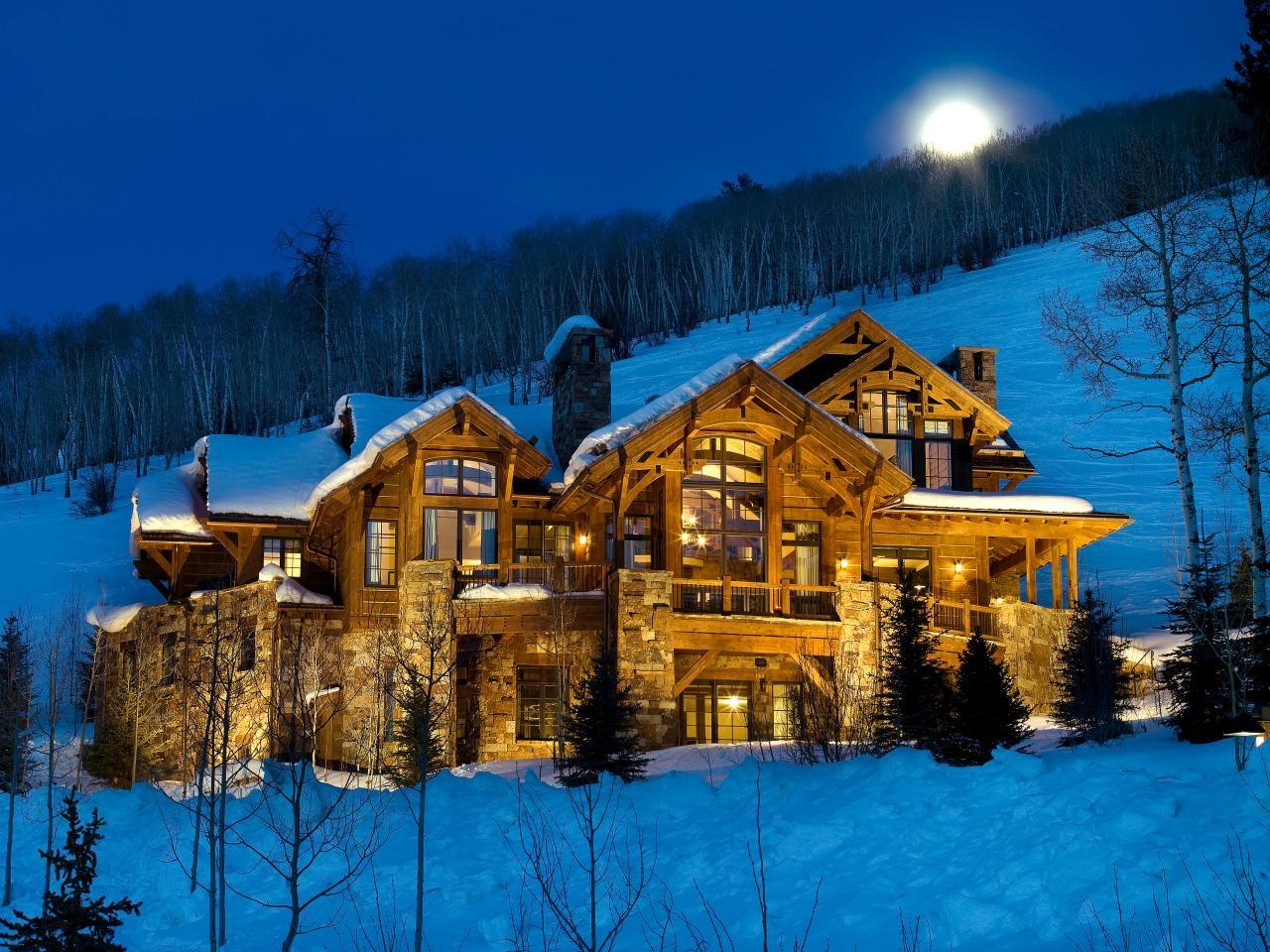 Amazing Wooden Stone Mountain Style Home Designs