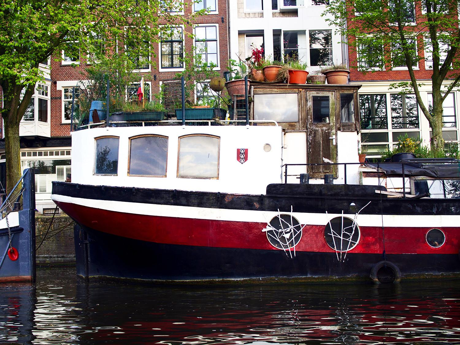 Amsterdam Canal Cruise Touristy Sounds