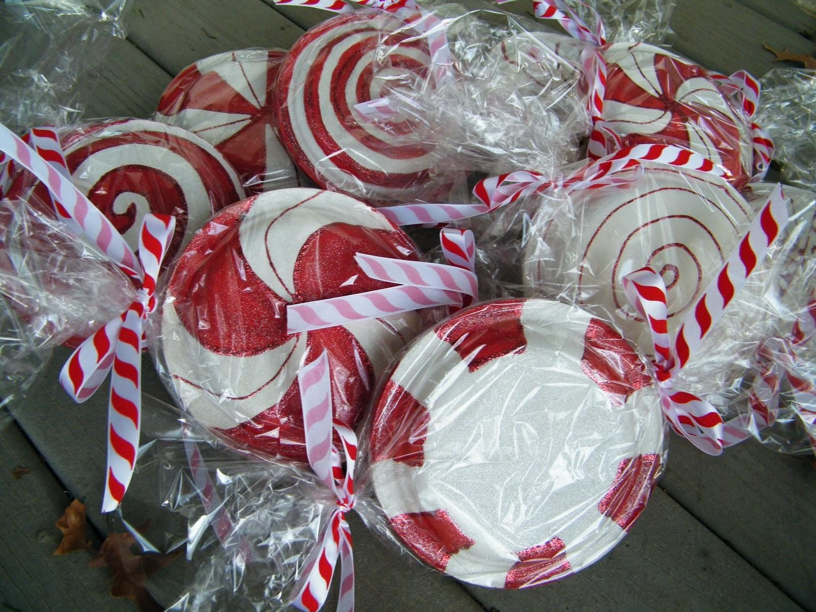 Amy Randomly Paper Plate Peppermint Candy Tutorial