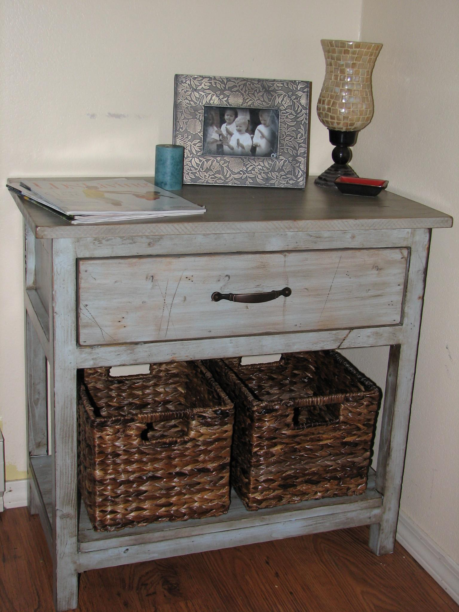 Ana White Farmhouse Bedside Table Diy Projects Decoratorist