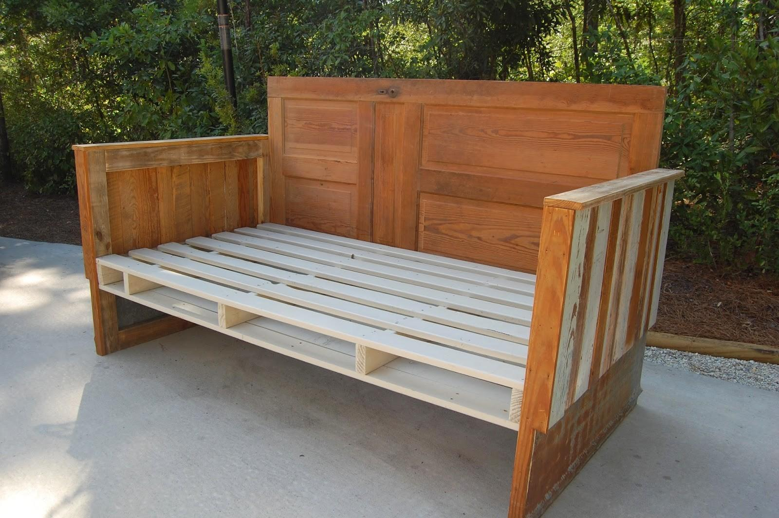 Antebellum 1862 Make Reclaimed Wood Day Bed