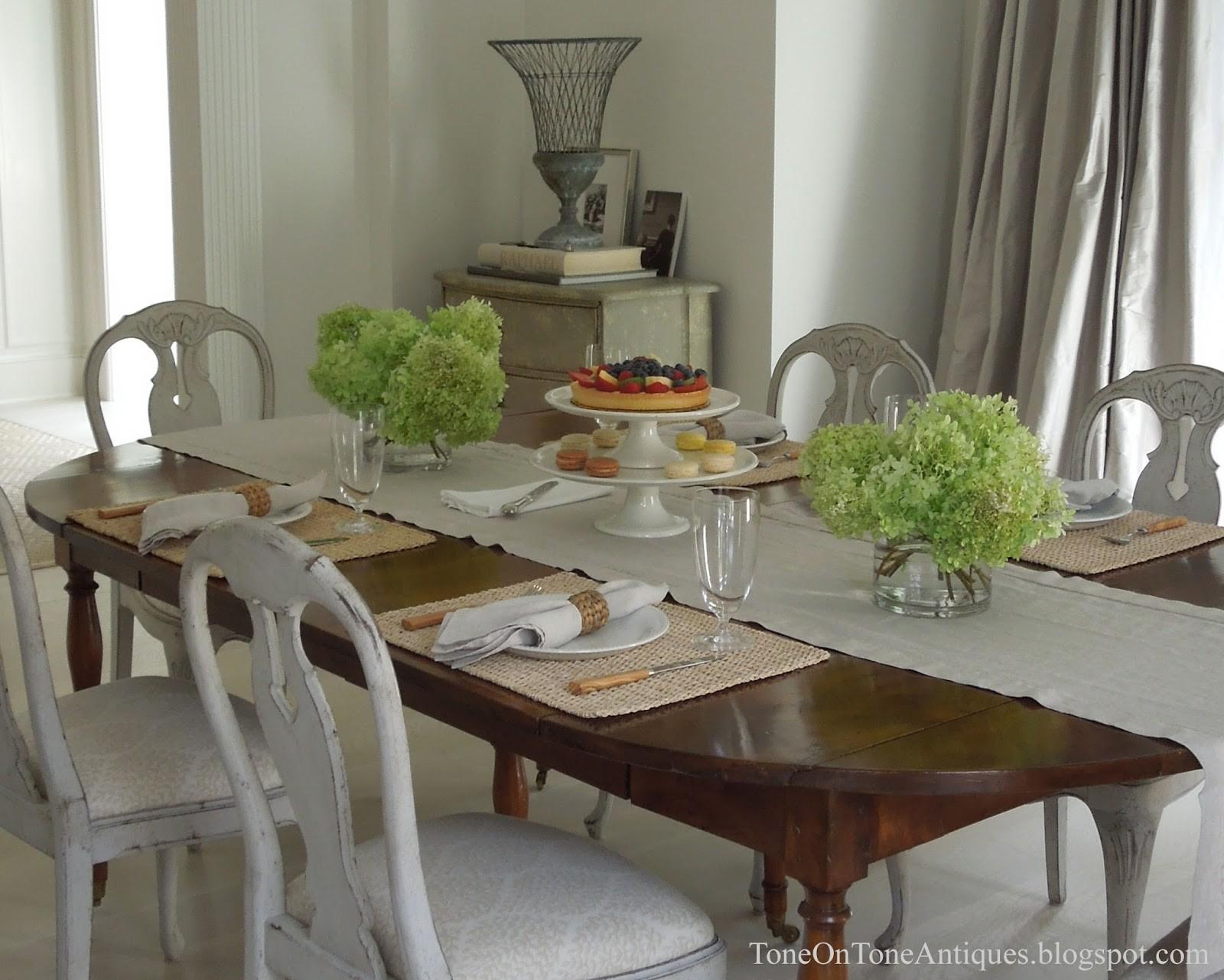 Appealing Simple Everyday Dining Table Decor Modern