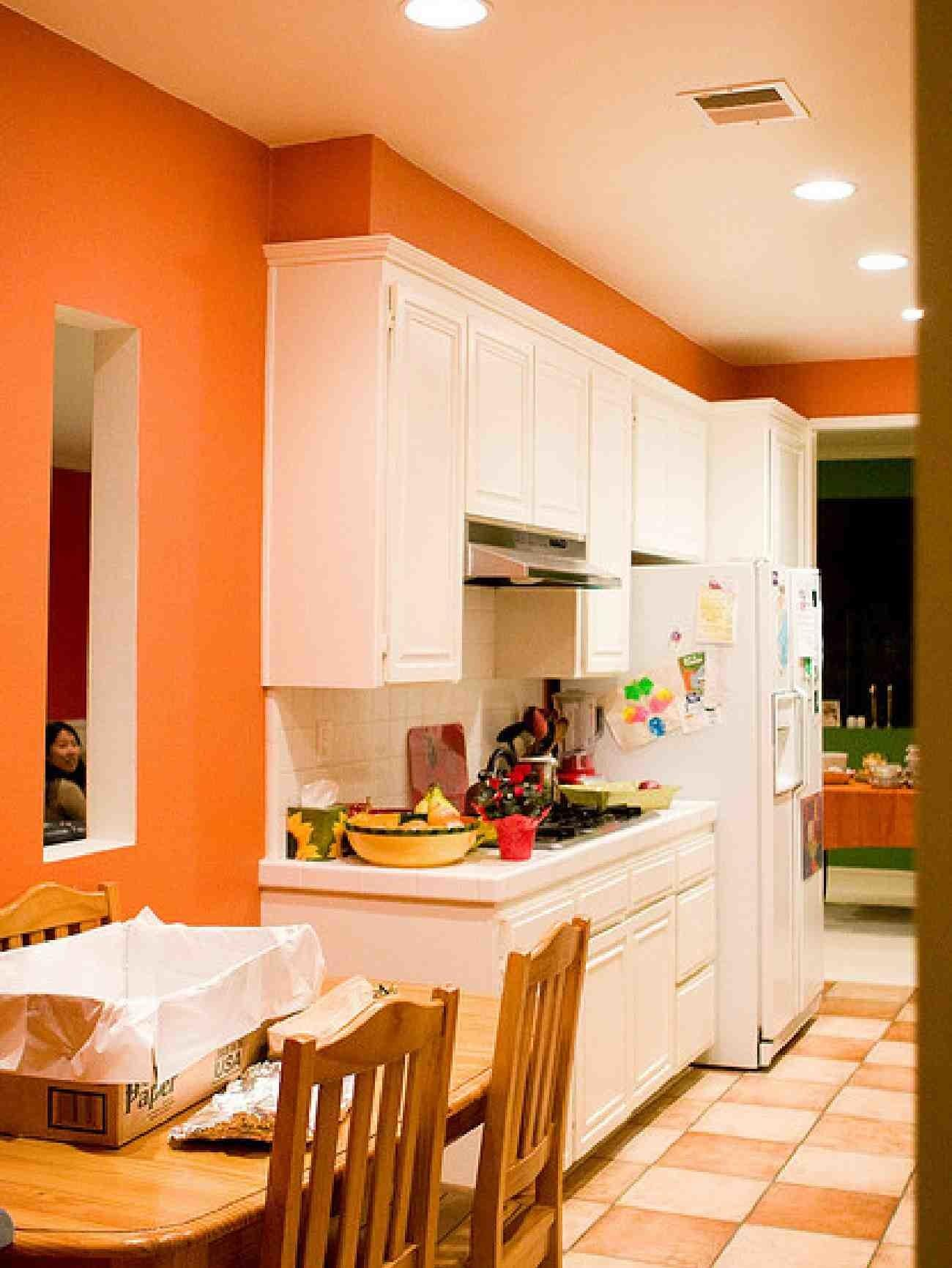 Applying Bright Kitchen Paint Colors Dapoffice