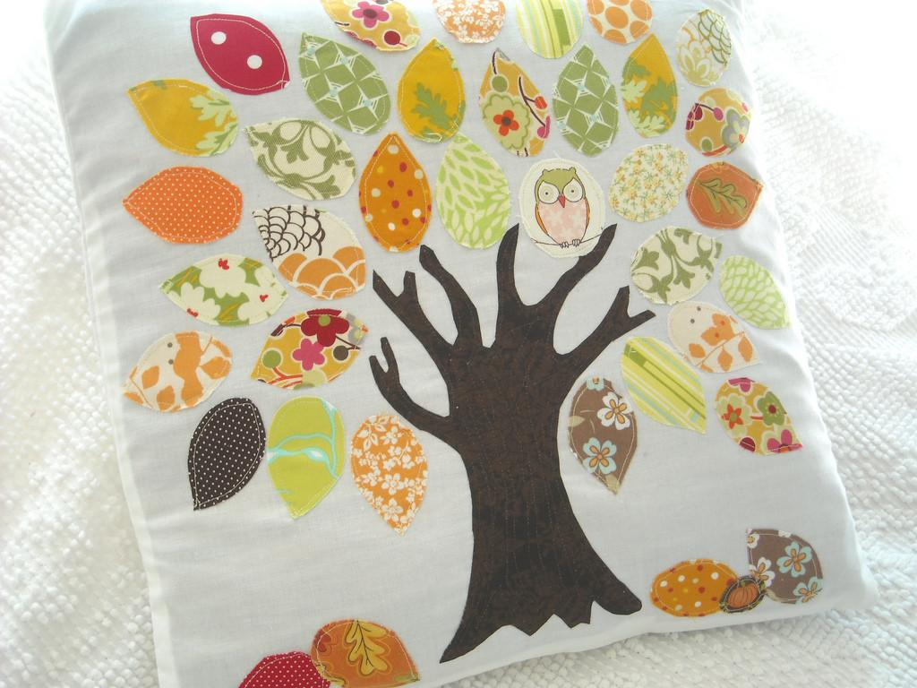 Autumn Appliqued Tree Pillow Another Scrap Buster