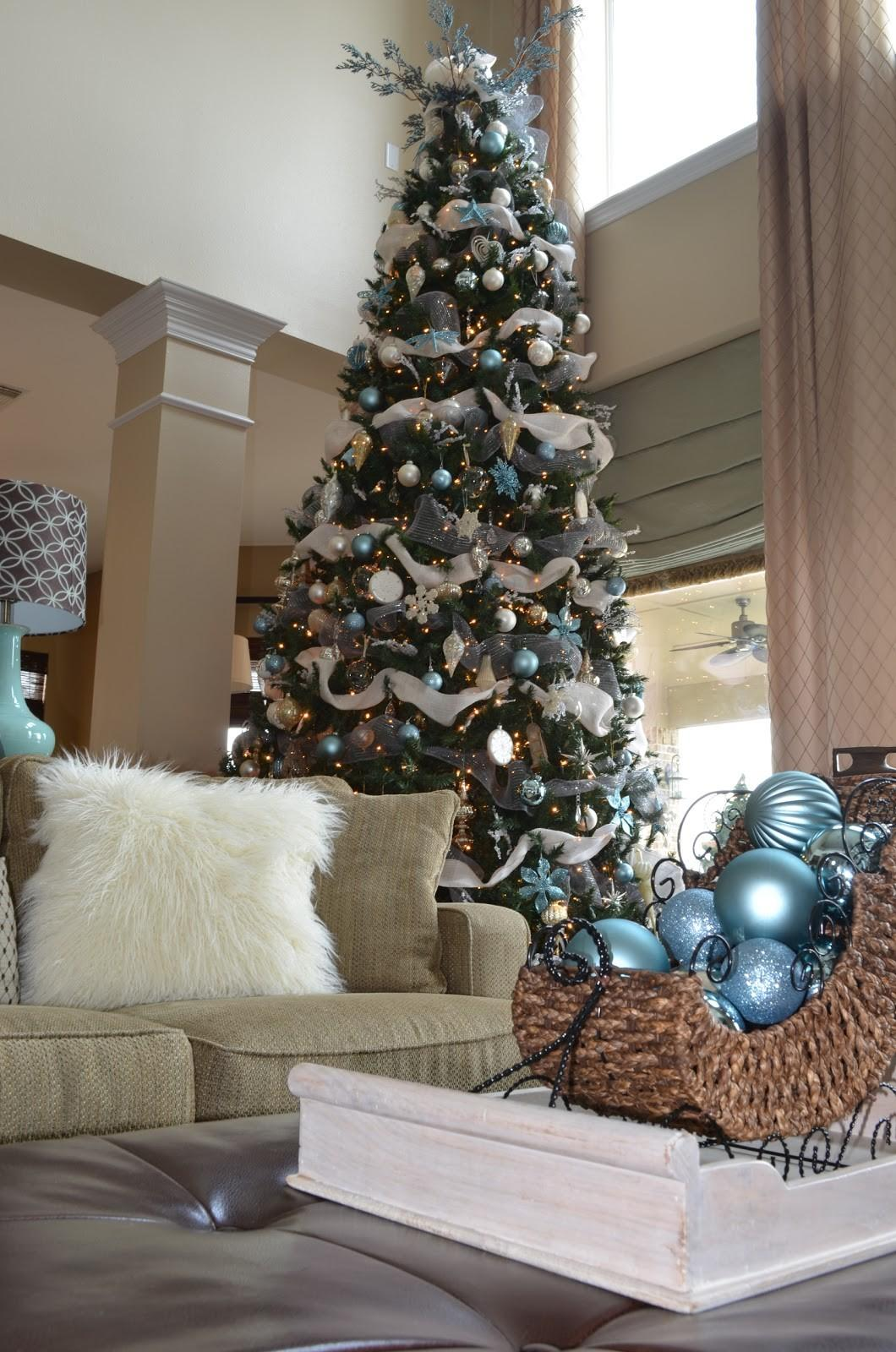 Awesome Christmas Tree Decorations Ideas Burlap