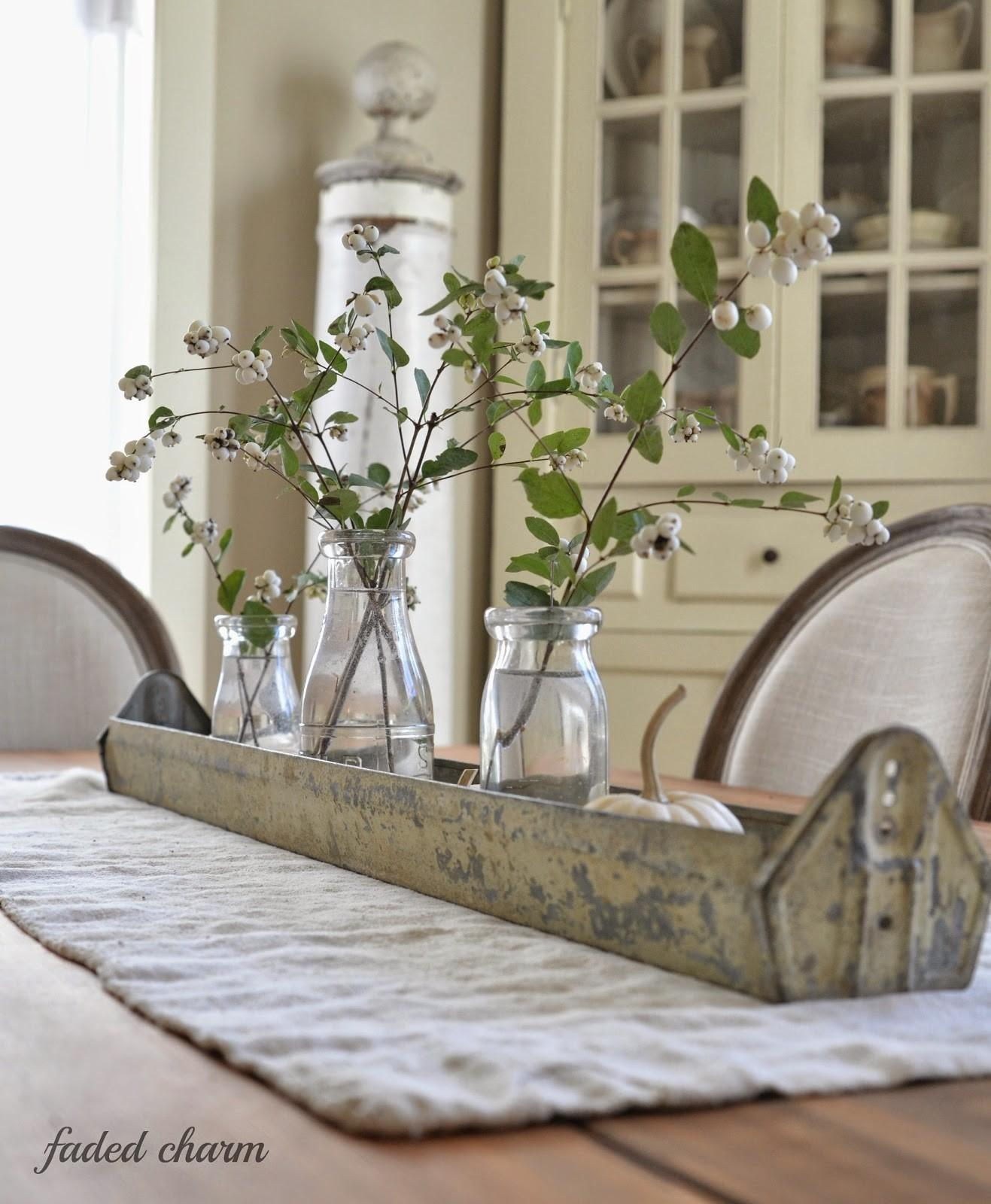 Awesome Dining Room Table Decor Everyday Light