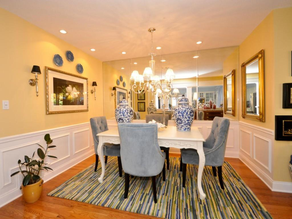 Awesome Dining Room Yellow Walls