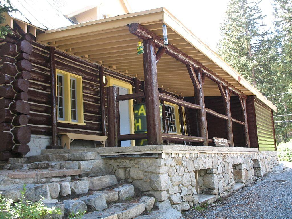 Awesome Outdoor Decoration Rustic Front Porches Again