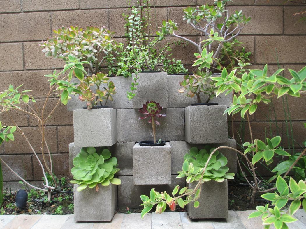 Awesome Outdoor Diy Projects Using Concrete Blocks