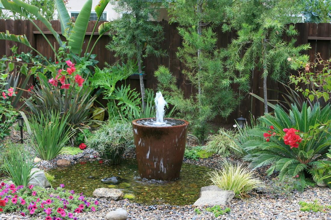 Awesome Outdoor Fountains Can Make Yourself