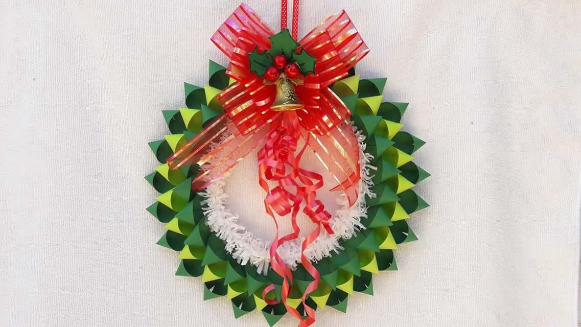 Awesome Paper Bow Wreath Christmas Door Decoration