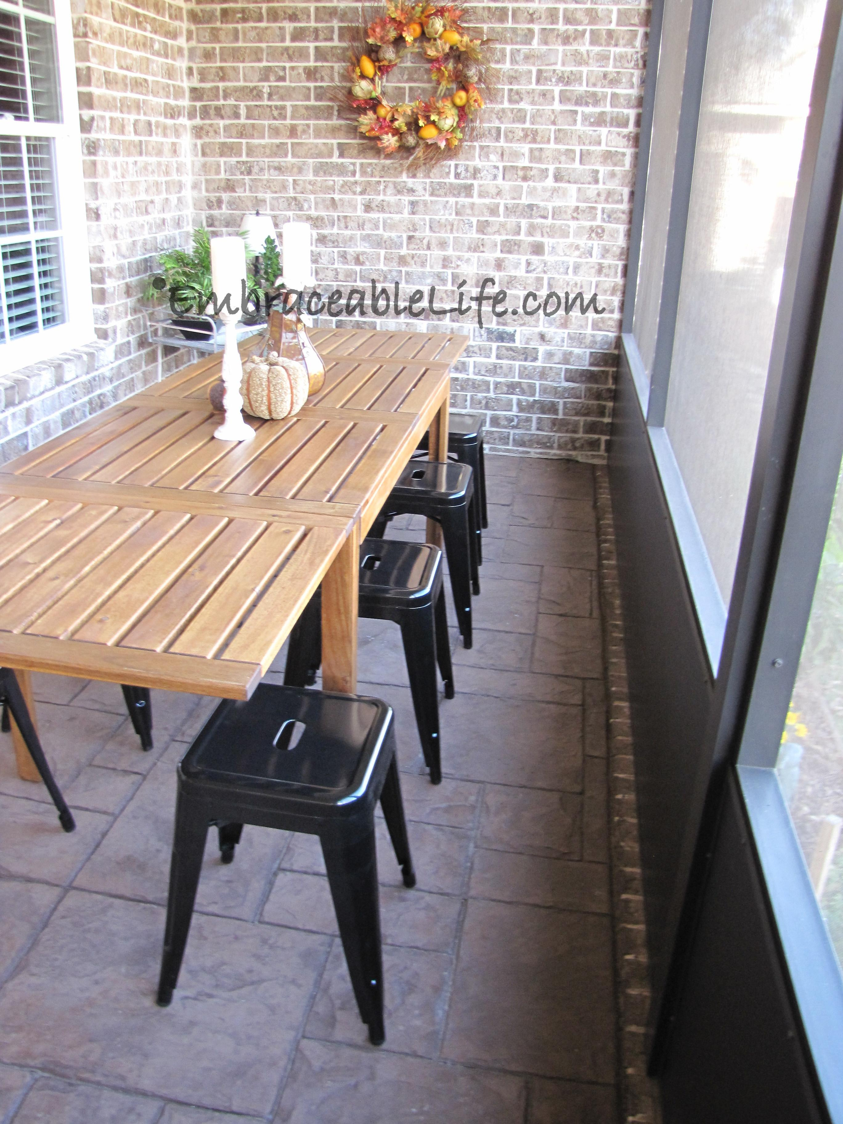 Awesome Small Outdoor Dining Ideas Light Room