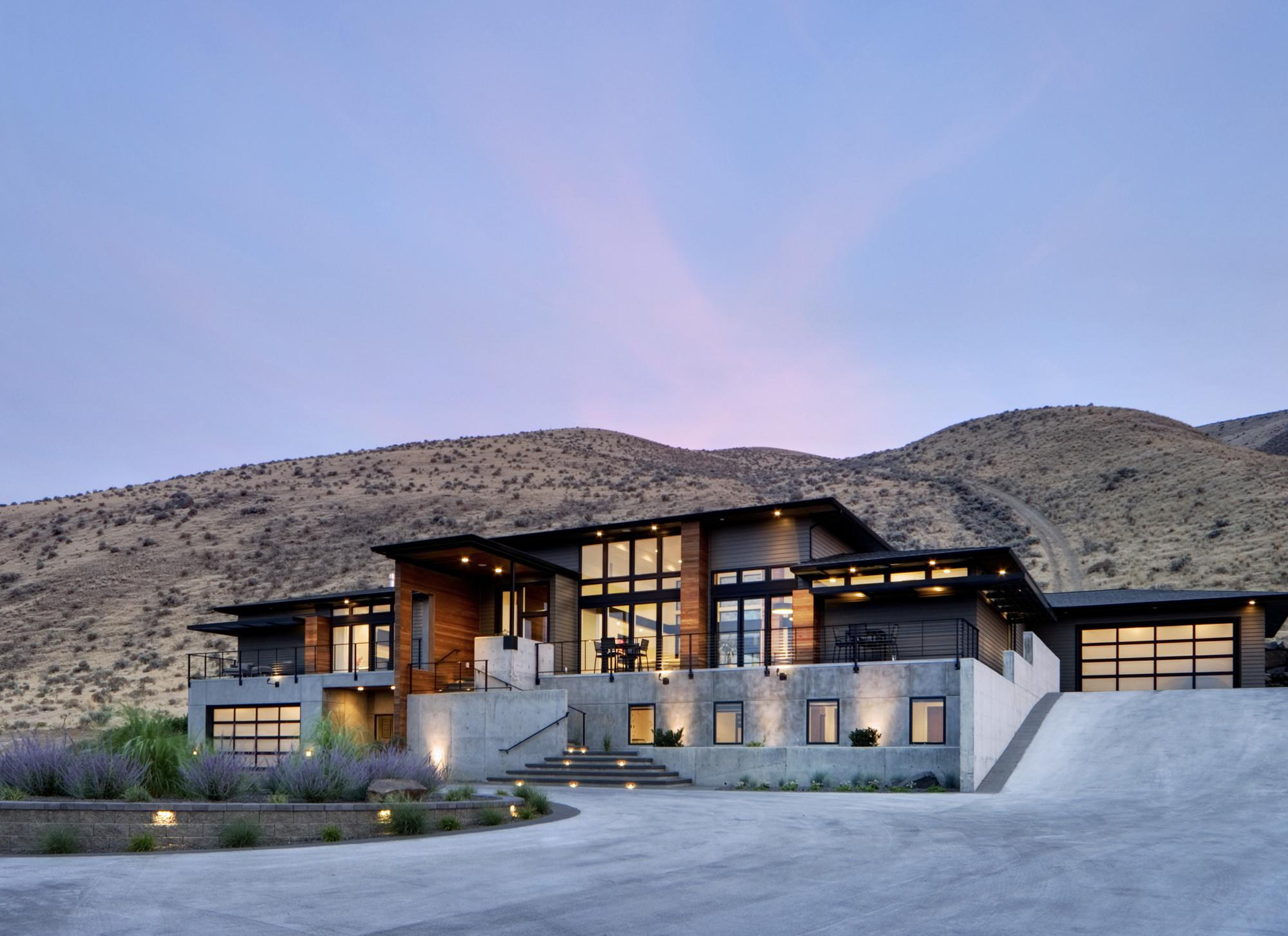 Badger Mountain House First Lamp Architecture