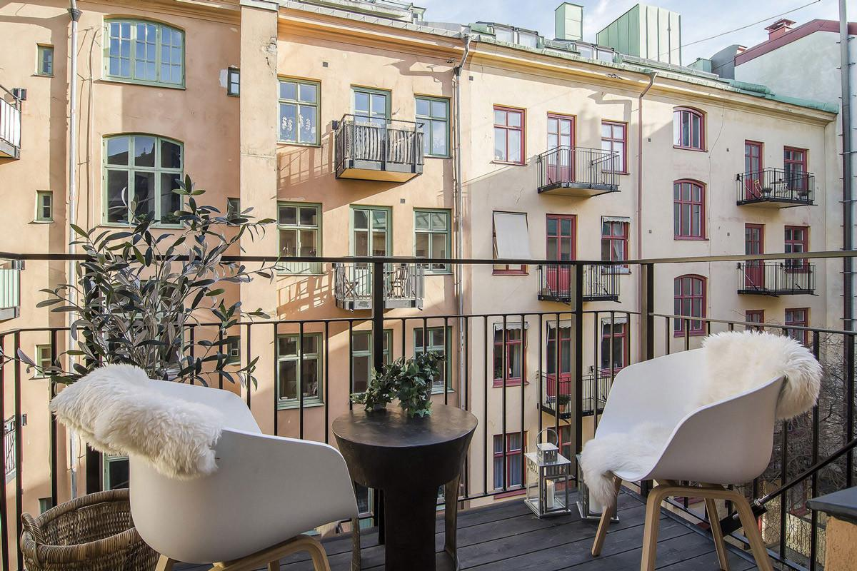 Balcony Table Chairs Apartment Stermalm Stockholm