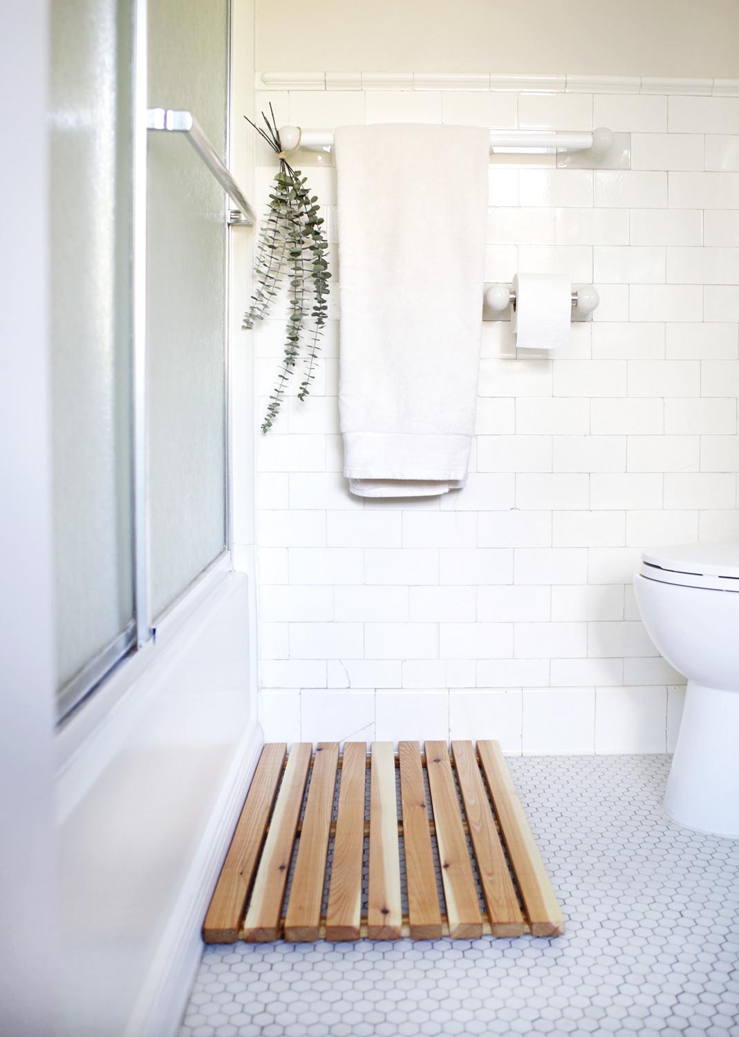 Bath Mat Ideas Make Your Bathroom Feel More Like Spa