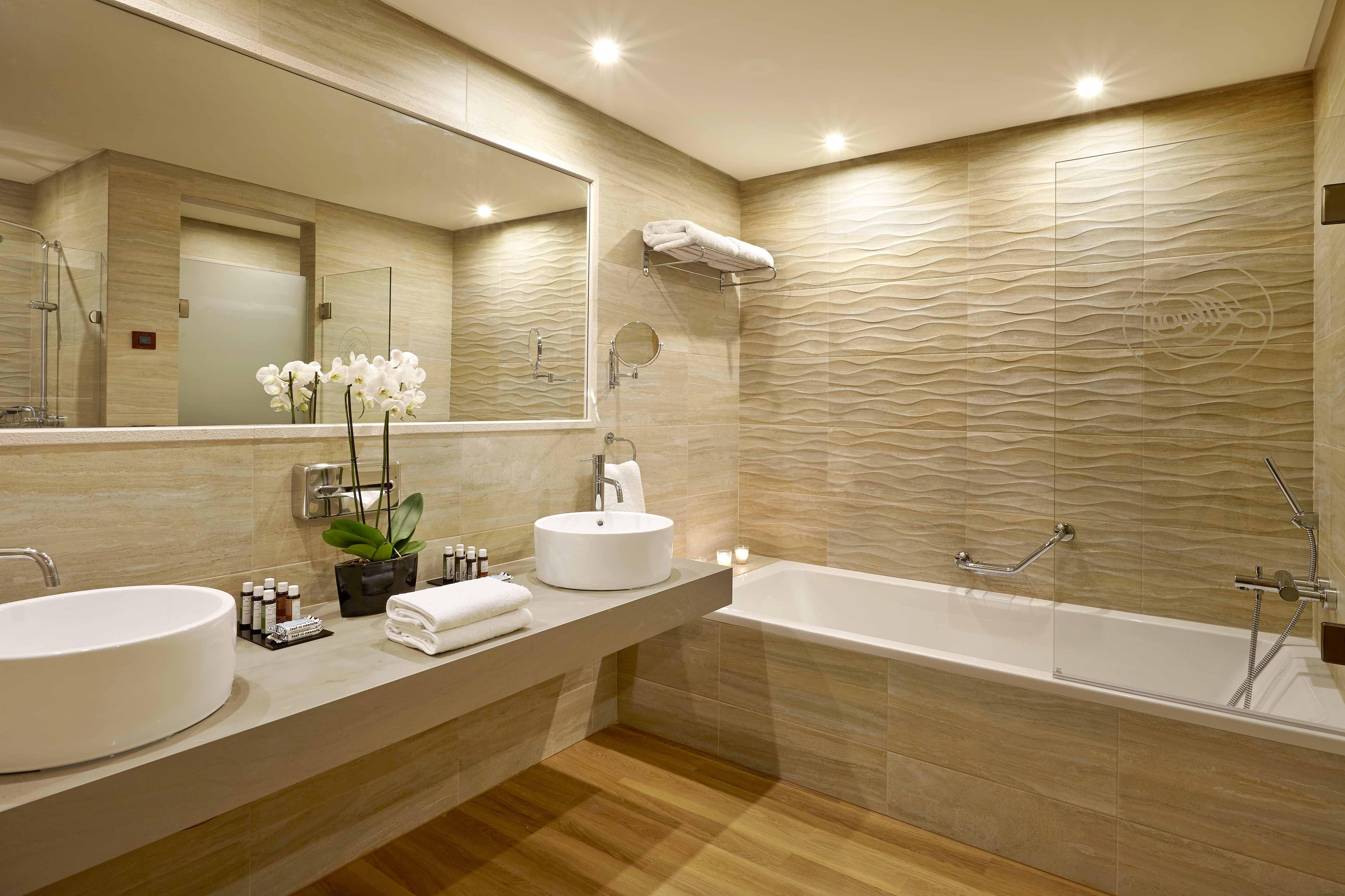 Bathrooms Luxurious Designs Plus Luxury