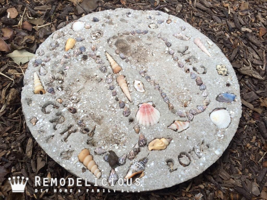 Beach Shell Themed Diy Stepping Stone Craft Remodelicious