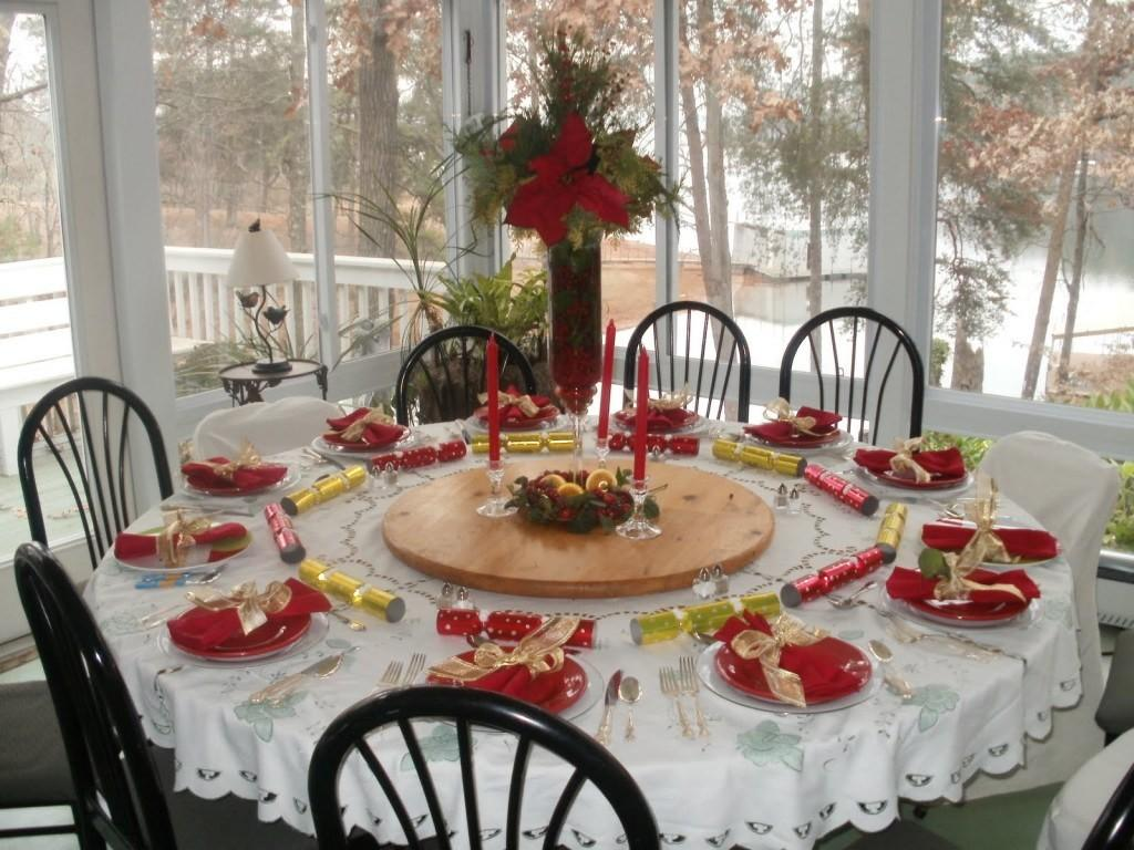 Beautiful Christmas Tablescapes Ideas Table