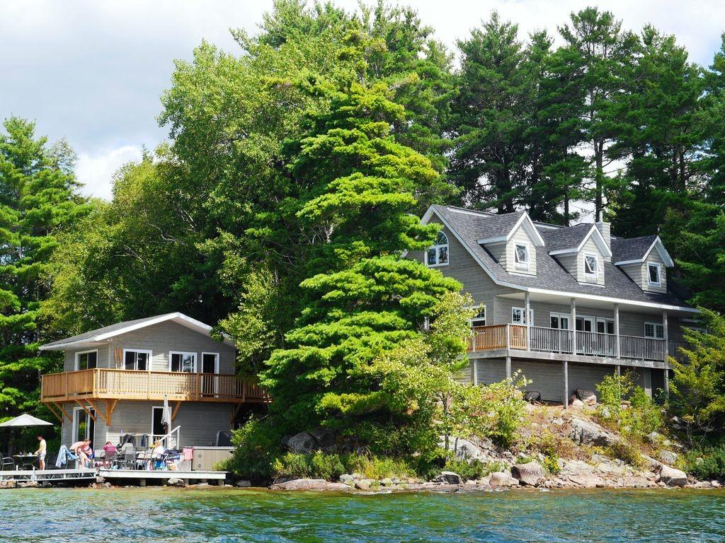 Beautiful Lakefront Cottage Muskoka Vrbo