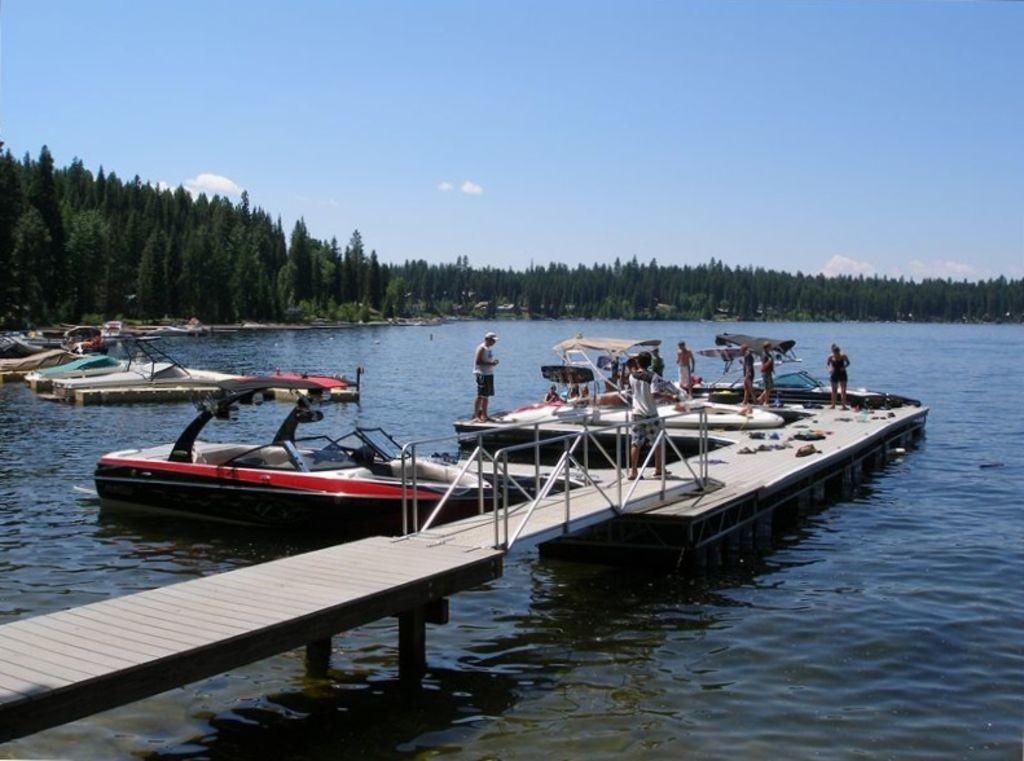 Beautiful Lakeside Vacation Homes Payette Lake