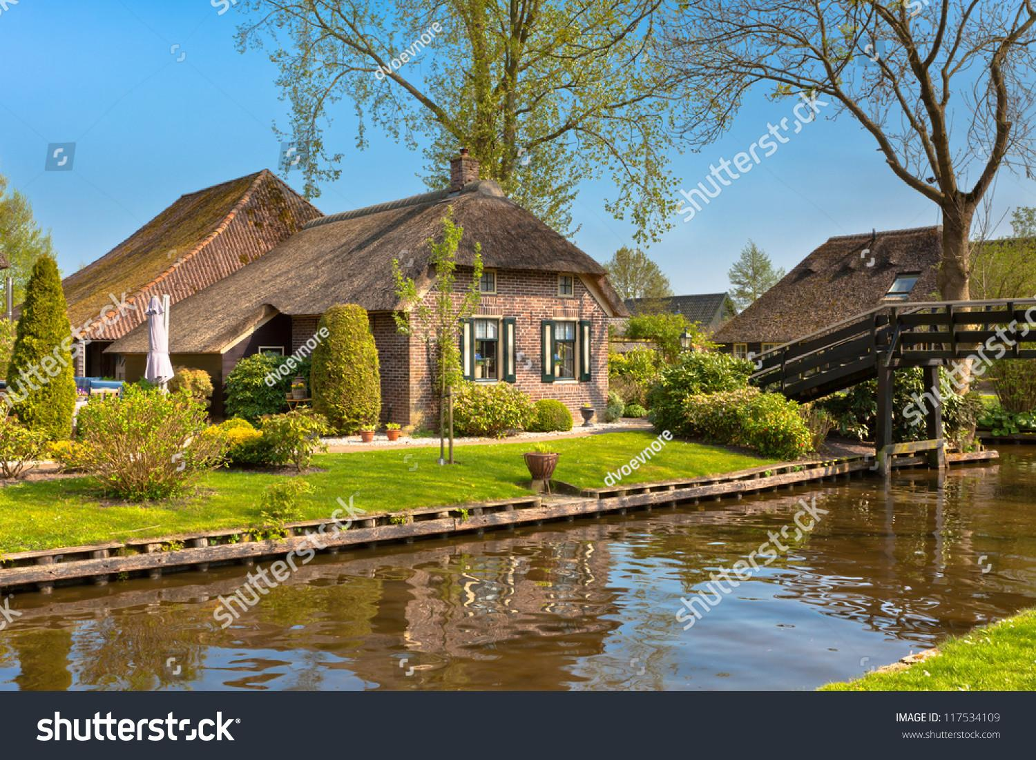 Beautiful Traditional House Thatched Roof