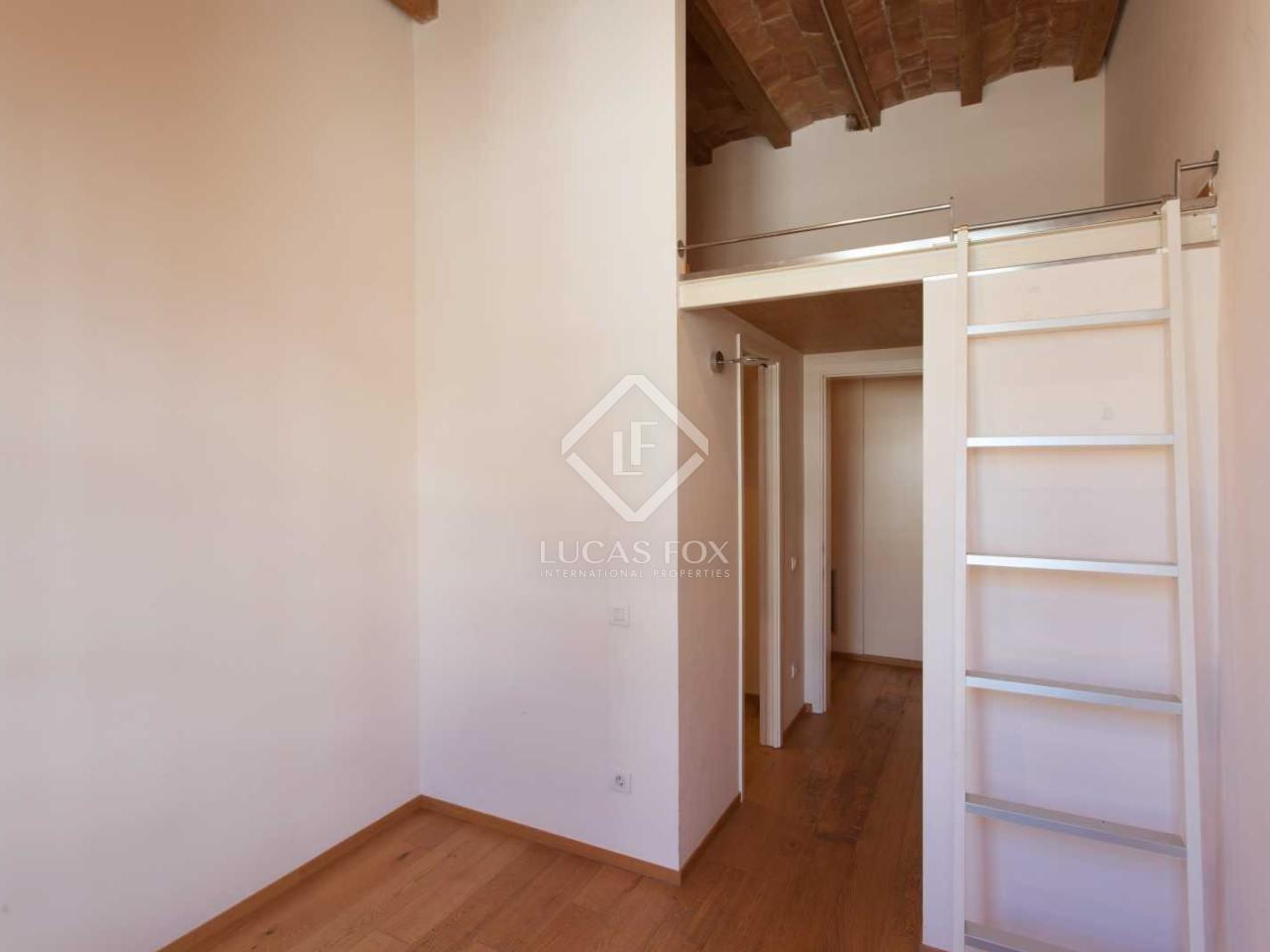 Beautifully Renovated Quiet Flat Downtown Side Street