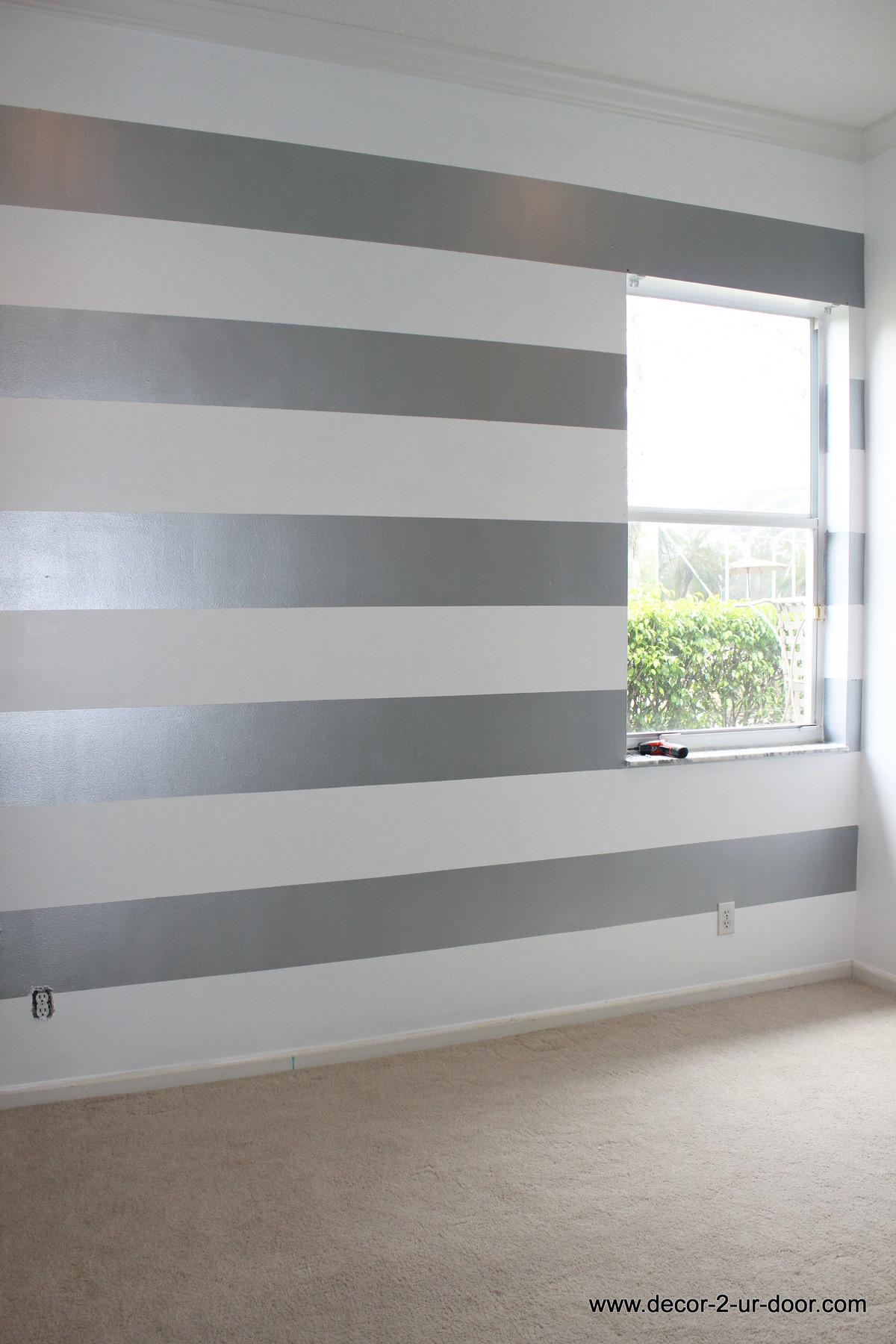 Bedroom Artsy Striped Accent Wall Ideas