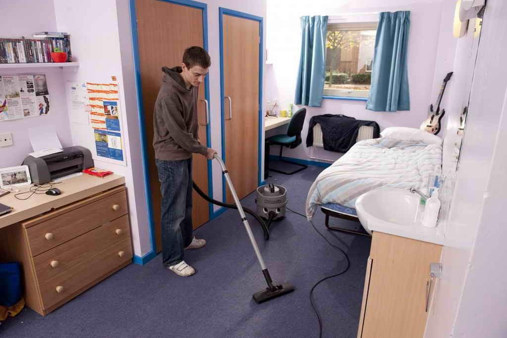 Bedroom Cleaning Organizing Tips