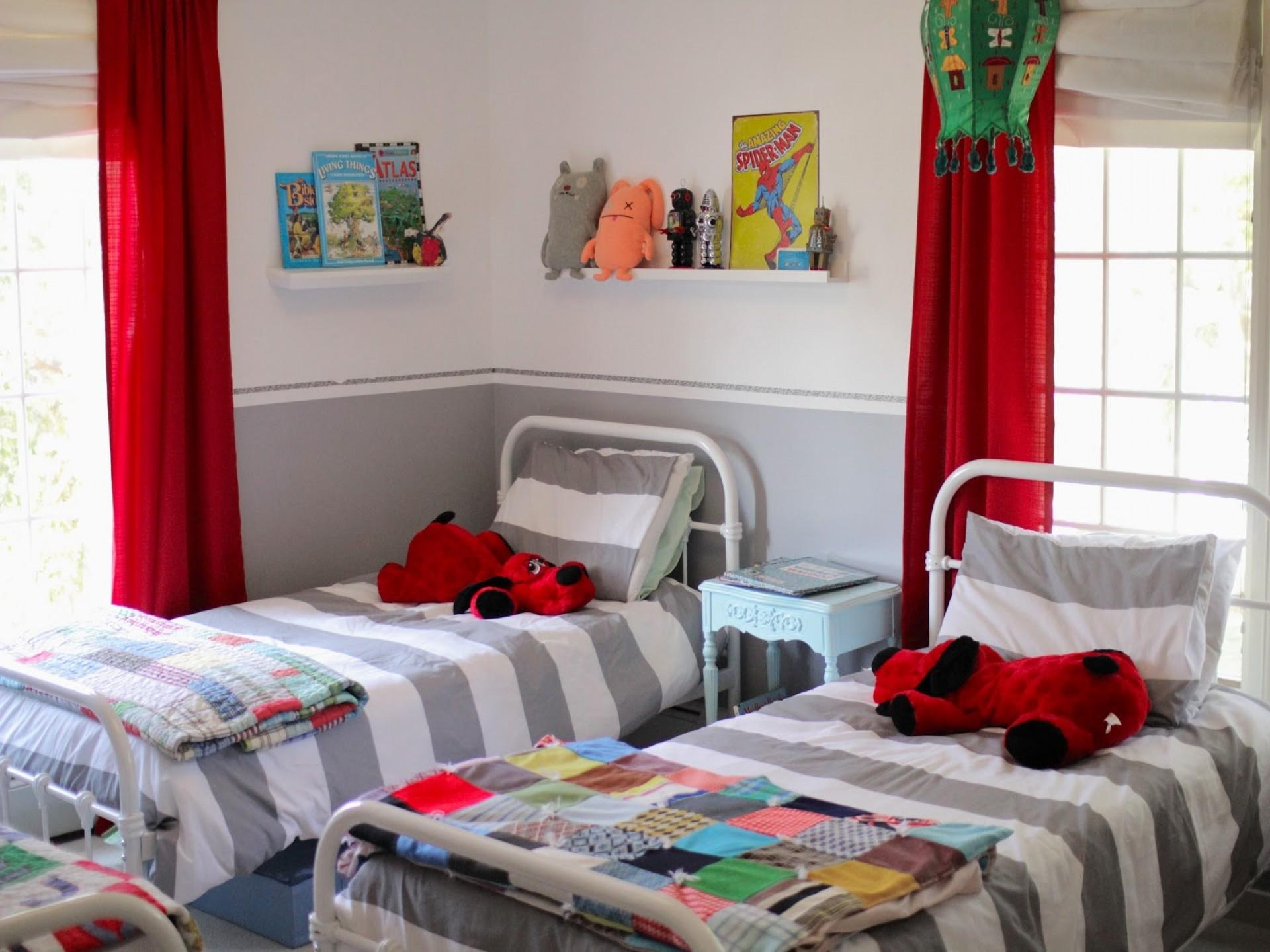 Bedroom Design Kids Blue Red Chill Out