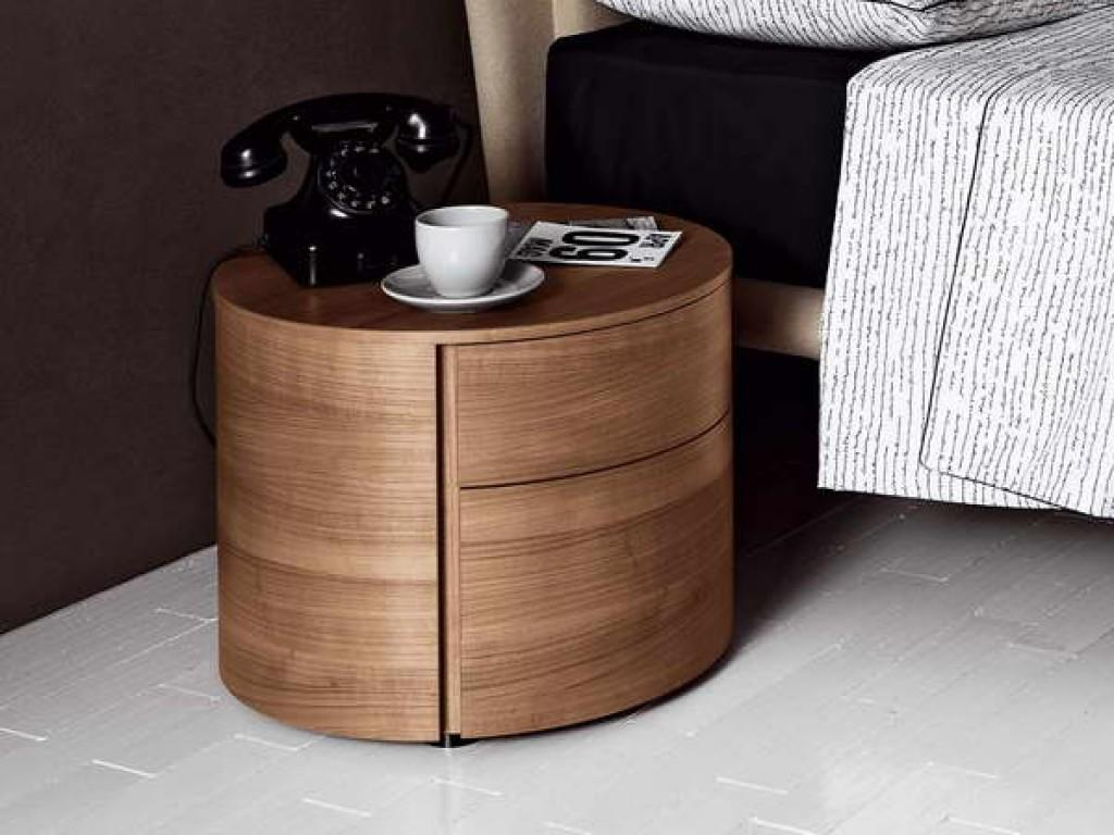 Bedroom Round Bedside Table Decorations