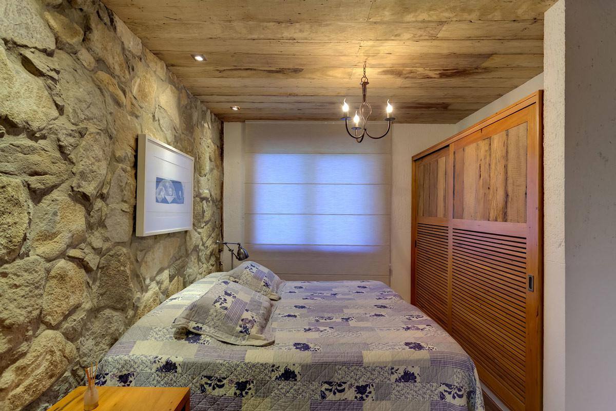 Bedroom Stone Wall Lighting Charming Rustic House