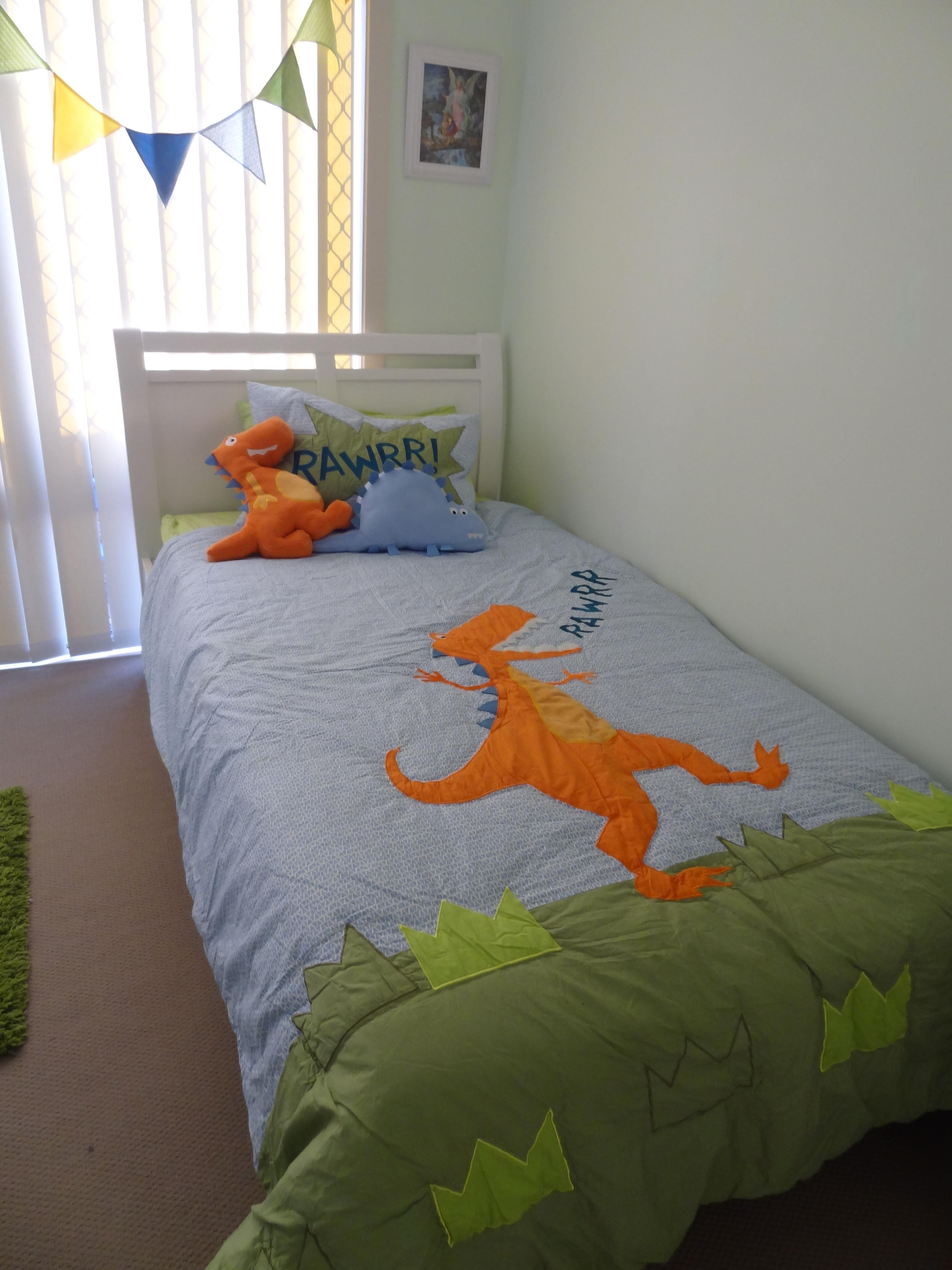 32 Dreamy Dinosaur Themed Bedrooms That Will Spice Up Your Bookshelves In 2020 Great Photos Decoratorist