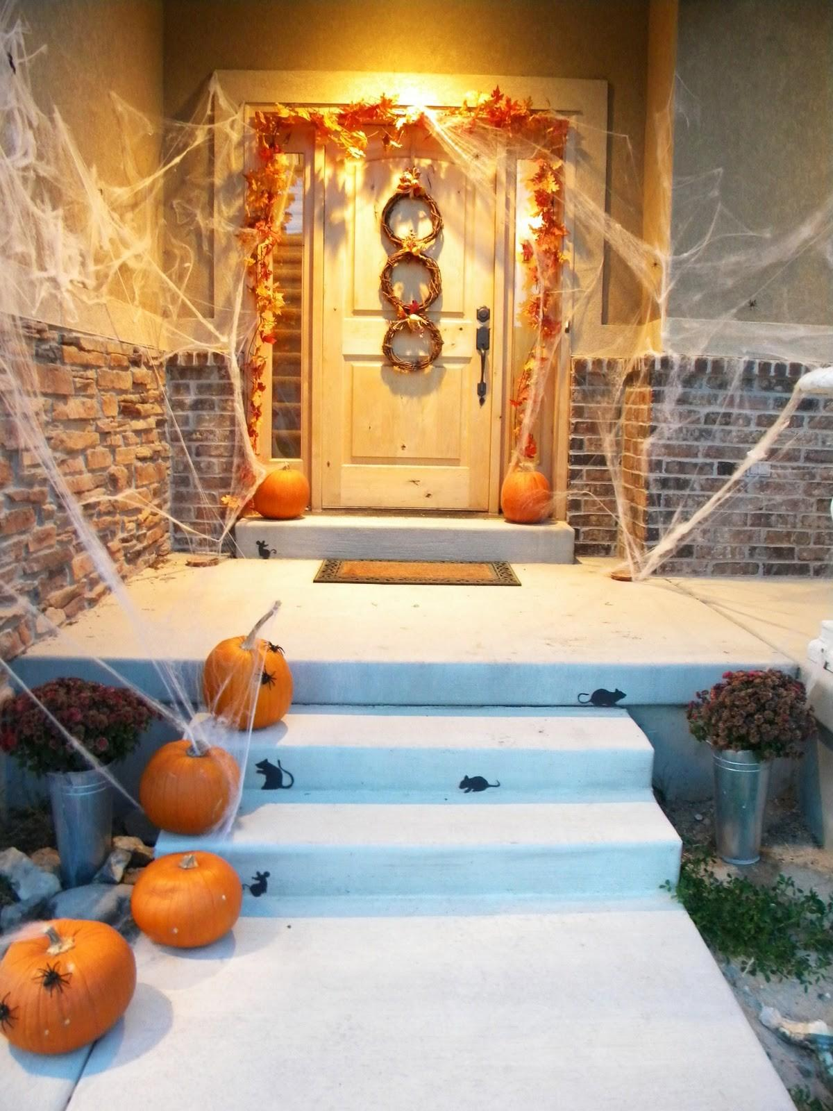 Best Halloween Door Decorations 2018