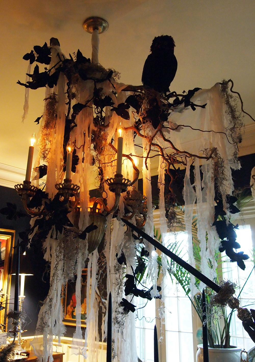 Best Indoor Halloween Decoration Ideas 2018